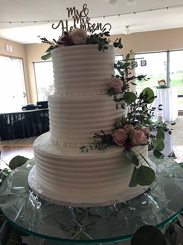 3 tier comb with blush roses