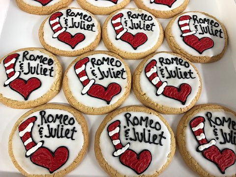 romeo & juliet decorated sugar cookie