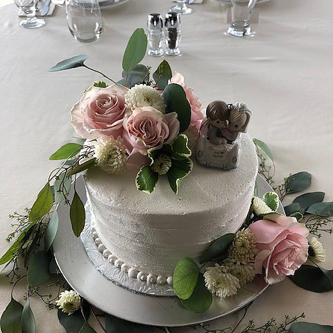single tier wedding cake - rustic comb with Eucalyptus